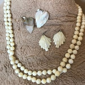 Shell 🐚 earrings and necklace set
